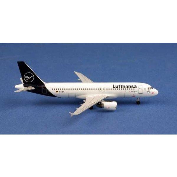 Lufthansa Airbus A320 D-AIZC n / a