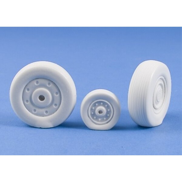 Sukhoi Su-27 Flanker Weighted Resin Wheels (designed to be assembled with model kits from Trumpeter)