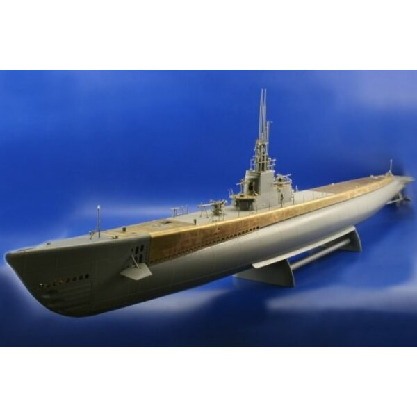 Gato class submarine (designed to be assembled with model kits from Revell)