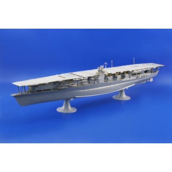 Akagi (designed to be assembled with model kits from Hasegawa)
