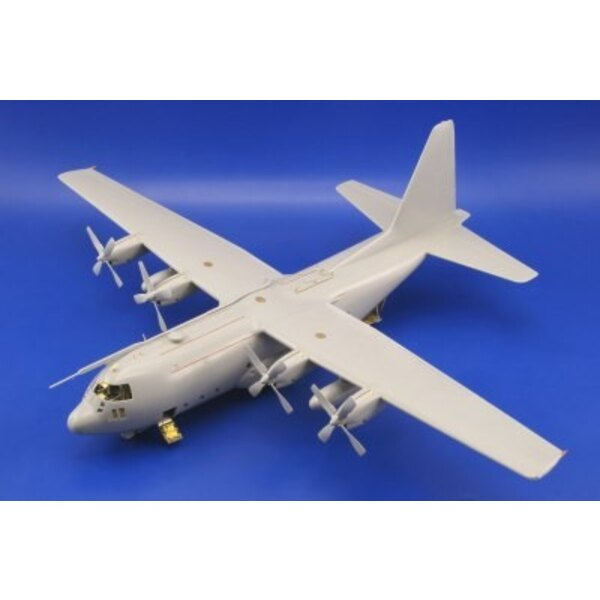 Lockheed C-130H Hercules exterior (designed to be assembled with model kits from Italeri)