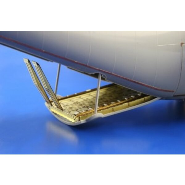 Lockheed C-130H/J Hercules cargo floor (designed to be assembled with model kits from Italeri)