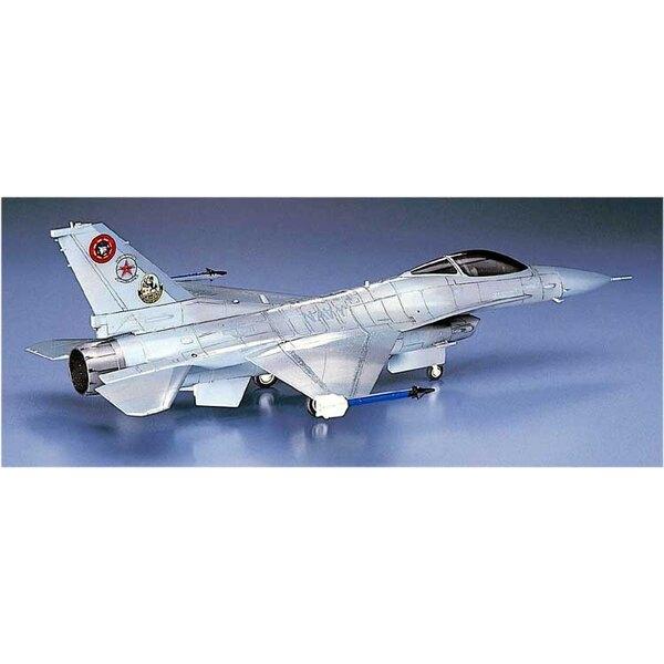 F -16N TOP GUN (C12)