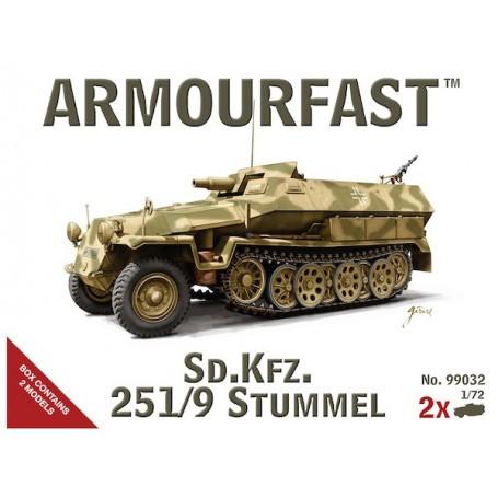 German Sd.Kfz.251 / 9 Stummel, 2 kits in a box
